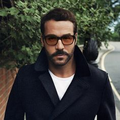 Jeremy Piven will always be Ari Gold to me.