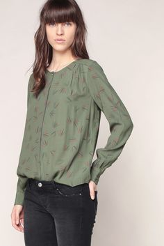 80 Best Blouse and jeans images   Feminine fashion, Casual outfits ... 567c4dbdaa8e