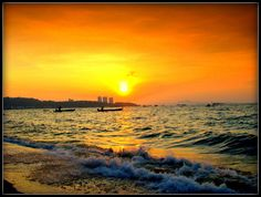 Bright and Bold! #vibrant #orange #gold #yellow #sunset #nature #naturalbeauty #dmSkincare