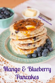 Mango & blueberry American style pancakes - delicious and not just for Pancake Day, you can make them for your weekend brunches as well! Tasty Pancakes, Blueberry Pancakes, Pancakes And Waffles, Chef Recipes, Fruit Recipes, Wine Recipes, Delicious Breakfast Recipes, Yummy Food, American Style Pancakes