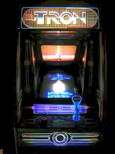One of our classic arcade games- Tron - The Arcade Game Vintage Video Games, Retro Video Games, Vintage Games, Video Game Art, Retro Arcade Games, Nostalgic Images, Arcade Machine, Witch House, Retro Futuristic