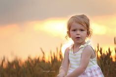 #sunset #evening #baby #goldenhour #childphotographer #children #marylandphotographer #familyphotographer #naturallight #sky #clouds #sun #gold #canon #girl #dresses #childfashion #3yearsession