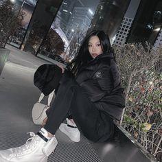 Kpop Girl Groups, Kpop Girls, Jessi Kpop, Tomboy Fashion, Fashion Outfits, Kpop Fashion, We Run The World, Kpop Rappers, Nanu Nana