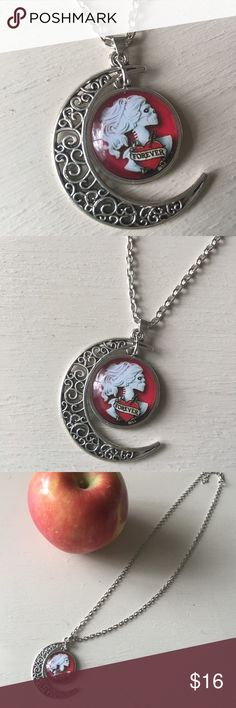 🆕Skeleton Bride Forever Heart Half moon necklace 🆕Skeleton bride in white with Forever Heart in red on a silver tone half moon Pendant and chain. Fun for Halloween or great for you goth girls and love junkies! 🌹Make an offer or bundle up! As always, I will create a custom bundle when buying 3+ for the best discount! Just ask! 🐺😘💗 Jewelry Necklaces