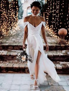 onlybridals Boho Lace Tulle Wedding Dresses Cap Sleeves V-Neck Sexy Backless Beach Bridal Gowns - Wedding Dress With Sleeves Making A Wedding Dress, Wedding Dress Chiffon, Tulle Wedding, Wedding Dress Styles, Dream Wedding Dresses, Boho Wedding, Wedding Gowns, Wedding Beach, Budget Wedding
