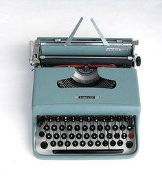 Macchina da scrivere Lettera 22 | Olivetti