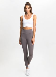 Made from our signature Supplex® fabric with added Lycra® stretch, these seamless sides leggings offer cotton-like comfort alongside a flattering fit, quick-drying qualities and superior durability. Features a wide dual-layer waistband designed to enhance support around the lower abs and hips.