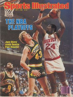 Featured is a Signed Jack Sikma Seattle SuperSonics May 1982 Sports Illustrated Magazine! This magazine was signed by Sikma and is authenticated by JSA with an Auction House Letter of Authenticity! Houston Basketball, I Love Basketball, Basketball Pictures, Basketball Legends, Basketball Players, Basketball Sneakers, Sports Illustrated Nba, Sports Illistrated, Sports Magazine Covers
