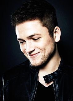 Quick ways to build muscle - Greatest Men`s womens Fitness guide, ever Top 7 No-Nonsense Muscle Taron Egerton Kingsman, Beautiful Men, Beautiful People, Star Wars, Movie List, Attractive Men, Husband Wife, Perfect Man, Beauty