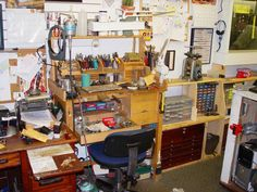 Jeweler's work desk ... sweet i'm not too far off from this!  just 3 times as much space