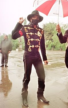 MICHAEL JACKSON: This man is so sexy♥♥   Legs for dayss!
