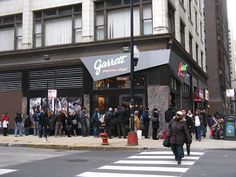 ArchitectureChicago PLUS: Garrett Popcorn: Harmless Addiction or Quest for Global Domination?