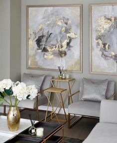 Legende The Best Luxury Living Room Designs from Our Favorite Celebrities - Dekoration Site / 2019 Home Living Room, Living Room Designs, Living Room Furniture, Furniture Stores, Luxury Living Rooms, Apartment Living, Living Room Decor Gold, Art Deco Interior Living Room, Gold Home Decor
