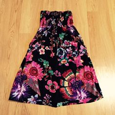 Dress Cute dress, can also be worn as a long skirt.  New without tags Dresses Strapless