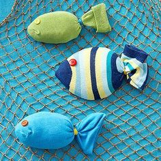 Fun Animal Birthday Party Themes: Birds, Horse, and Fish Swimming sock fish - Option: add magnets in Kids Crafts, Sock Crafts, Summer Crafts, Craft Projects, Arts And Crafts, Animal Themed Birthday Party, Birthday Party Themes, Birthday Fun, Sock Toys