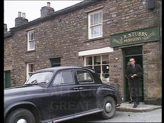 Opening Credits - Bridge & shop at Langthwaite, Arkengarthdale, North Yorkshire - Opening Credits on later episodes. Yorkshire Dales, North Yorkshire, James Herriot, Shot Film, Bbc Tv Series, Beloved Book, Opening Credits, Veterinarians, Filming Locations