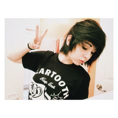 If I ever want to grow my hair out a bit im Sooo doing it like this