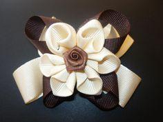 Manualidades y accesorios la hormiga. como hacer una flor en citas. hair accessories. video No.060