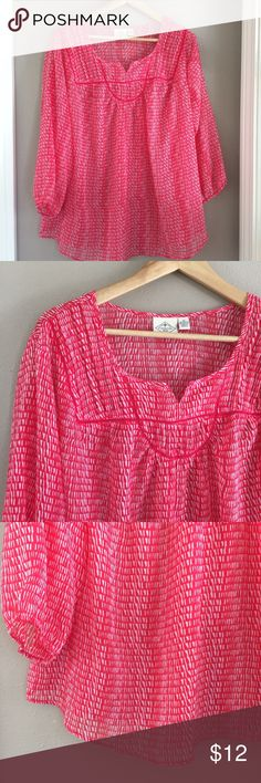 1X St. John's Bay Top 1X St. John's Bay Top. Fuchsia and white patterned. Lightweight, but not completely Sheer. Elastic cuffed 3/4 length sleeve. Perfect with a tank, skinniest and cardi for fall. Why do orange and red get to have all the fun? Excellent pre-owned condition. Bundle for additional discounts and seller offers. St. John's Bay Tops