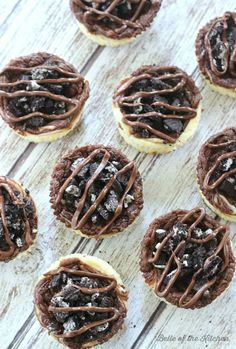 Mini Nutella Swirl Oreo Cheesecakes - Belle of the Kitchen Quick Dessert Recipes, Make Ahead Desserts, Easy Desserts, Cheesecake Calories, Oreo Cheesecake, Slow Cooker Salsa, Slow Cooker Recipes, Vanilla Cookies, Chocolate Chip Cookies