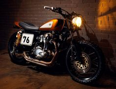 Ton-Up Kawasaki w650 Gold Digger