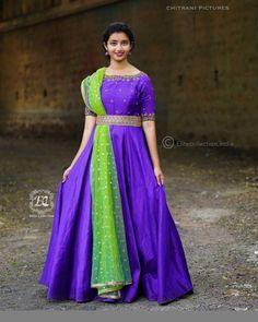 Stylish Ethnic Long Dress To Re-use Old Silk Sarees - Kurti Blouse Long Dress Design, Stylish Dress Designs, Stylish Dresses, Indian Long Dress, Indian Gowns Dresses, Indian Long Frocks, Indian Wear, Designer Anarkali Dresses, Designer Dresses