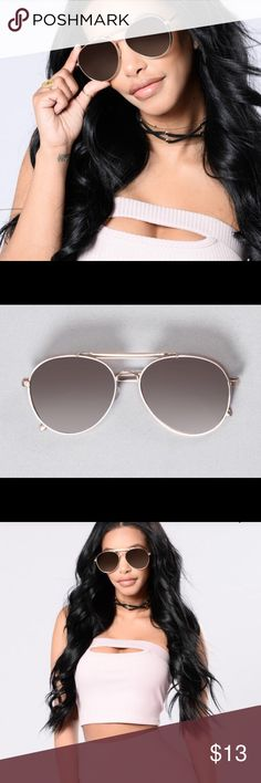 Aviator Rose Gold Women's Sunglasses Brand New, Never Used Great gift idea Ombré lenses with Rose Gold Frame Wide Brim  UV400 Protection Fashion Nova Accessories Sunglasses