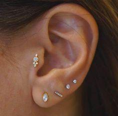 best Ideas for piercing oreille tragus bijoux Fake Piercing, Tragus Piercings, Percing Tragus, Tragus Piercing Jewelry, Cute Ear Piercings, Cartilage Earrings, Body Piercing, Cartilage Hoop, Ear Earrings