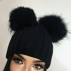beauty, cool, and hair image Winter Wear, Autumn Winter Fashion, Winter Hats, Passion For Fashion, Love Fashion, Fashion Outfits, Winter Accessories, Fashion Accessories, Beanie Outfit