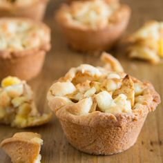 Make the classic Dutch apple pie in a different way, like these mini apple pies. With the FunCakes mix for Cookies and a muffin pan it is easy to make these mini apple pies. Just fill up the pan with custard cream and a delicious apple mixture. Dutch Recipes, Sweet Recipes, Cake Recipes, Dessert Recipes, Pie Cake, No Bake Cake, Cookie Desserts, Easy Desserts, Netherlands Food