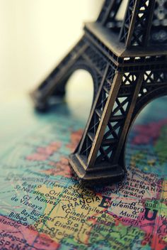 I have one of these litte Tour Eiffel's. My friend brings back trinkets for me from all over the world