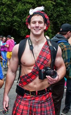 I think I can look past the kilt. I can look past anything with that red hair and hot body Under The Kilt, Scottish Man, Scottish Dress, Scottish Kilts, Men In Kilts, Kilt Men, Ginger Men, Hommes Sexy, Raining Men