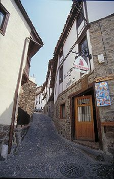 Potes #Liebana  #Cantabria #Spain #Travel Santander Spain, Villa, Iberian Peninsula, Spain Travel, Giveaway, Around The Worlds, Europe, City, Beautiful