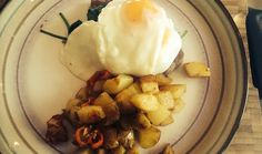 Gary's Steak & Eggs Florentine with Chilli Homefries Eggs Florentine, Steak And Eggs, Brunch Recipes, Ethnic Recipes, Food, Meals