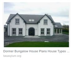 Bungalow, Mansions, House Styles, Home Decor, Mansion Houses, Homemade Home Decor, Villas, Fancy Houses, Interior Design