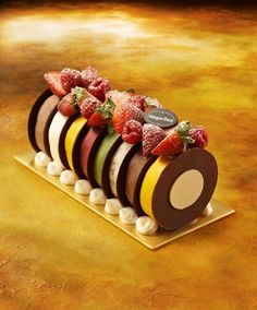 Haagen-Dazs Rainbow Logcake The Rainbow Log, in contrast, is a kaleidoscope of festive colours. Make this Christmas a colourful one with all time favourite ice cream and sorbet flavours such as Chocolate, Vanilla, Green Tea, Macadamia Nut, Mango Sorbet and Raspberry Sorbet.