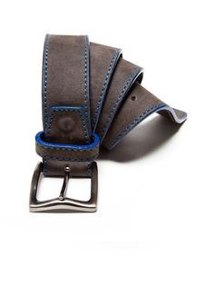 Such a cool belt, the blue edging and stitch look great. All in the details