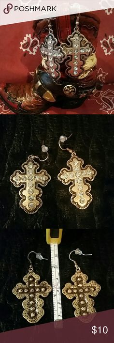 Coppertone Cross Earrings with Rhinestone Accents These are the perfect size 1.5 by 1 inches. Lightweight enough you could wear them all day with no problems with them weighing down your ear lobes. Coppertone color and clear crystal rhinestones. Please feel free to ask any questions prior to purchasing. New Never Worn Gothic Cowgirlz  Jewelry Earrings