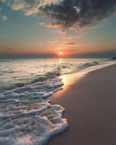 How to Take Good Beach Photos Beach Pictures, Nature Pictures, Beautiful Pictures, Relaxing Pictures, Sunrise Pictures, Beach Images, Sunset Wallpaper, Nature Wallpaper, Travel Wallpaper