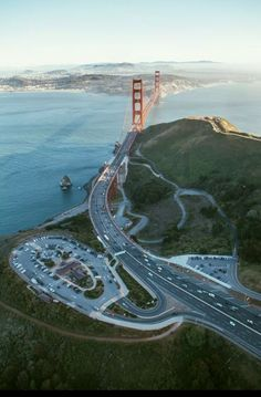 Golden Gate Bridge (1933-1937). Links San Francisco to Marin County. San Francisco, California, United States.