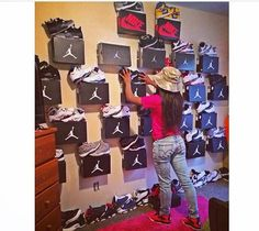 2014 cheap nike shoes for sale info collection off big discount.New nike roshe run,lebron james shoes,authentic jordans and nike foamposites 2014 online. Cute Room Decor, Teen Room Decor, Room Ideas Bedroom, Bedroom Decor, Shoe Boxes On Wall, Shoe Wall, Shoe Room, Shoe Closet, Sneaker Storage
