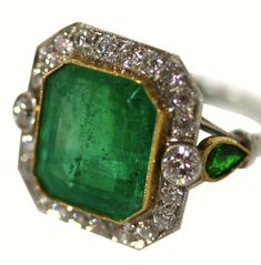Art deco emerald and diamond ring - Elle W Collection