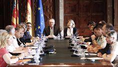 Con la Ministra de Agricultura, Alimentación y Medio Ambiente, Isabel García Tejerina. Posteriormente, presidirán la reunión del Comité de Seguimiento de la Campaña de Prevención y Extinción de Incendios
