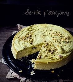 Sernik pistacjowy