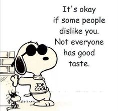 That Snoopy, so cute, he has a line for everything! That Snoopy, so cute, he has a line for e Snoopy Und Woodstock, Snoopy Love, Happy Snoopy, Snoopy Quotes Love, Phrase Cute, Snoopy Drawing, Snoopy Birthday, Humor Birthday, Happy Birthday