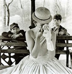 Makeup, Central Park, 1955. Photo by Frank Paulin
