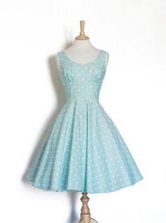 Petticoatkleid mit Punkten // polka dots petticoat dres via DaWanda.com