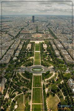 Champs de Mars #France #Paris #pariscityvision #visiterparis #tour #visit #travel #voyage #tourism #garden #jardin #famous #nature #parc #champs #mars #eiffel