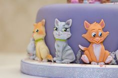 Cute Cat Cake. Cats Mould - Karen Davies Sugarcraft. Basket Mould - Karen Davies Sugarcraft.