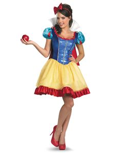 Love this Snow White halloween costume! It doesn't look tacky, for once.